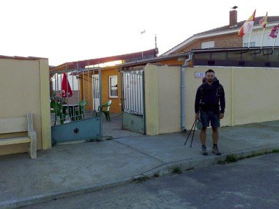 El Burgo Ranero - az albergue előtt