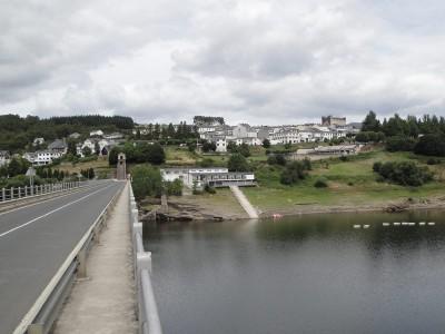 Közeledik Portomarín